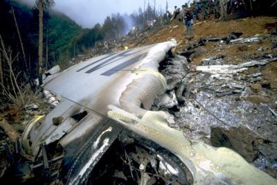 昭和60年8月12日、日本航空のジャンボ機が群馬県の御巣鷹(おすたか)に墜落
