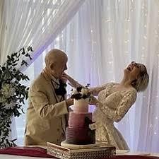 89歳の認知症の男性と19歳の女性が結婚